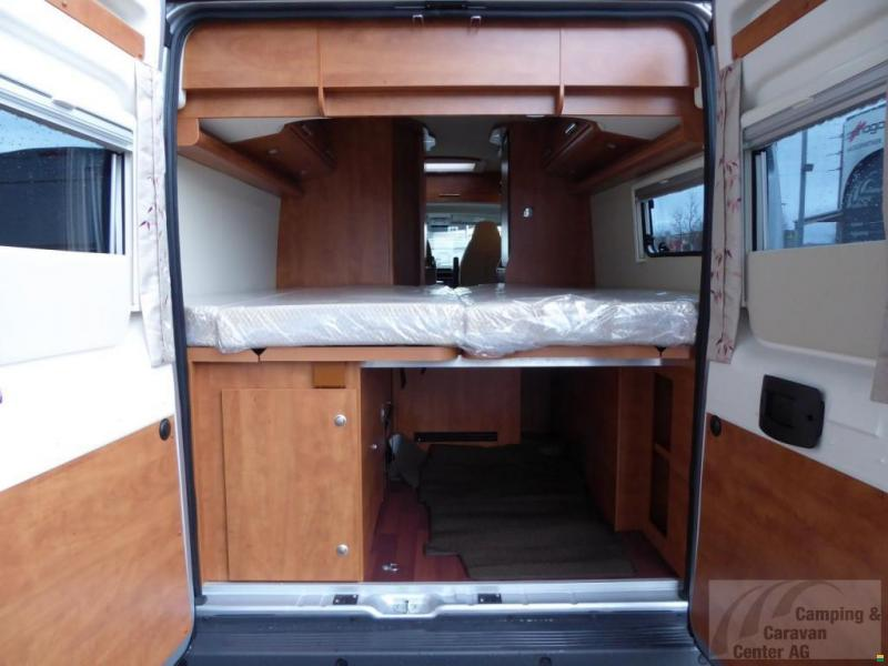 malibu van 640 le mieten wohnmobil motorcaravan. Black Bedroom Furniture Sets. Home Design Ideas